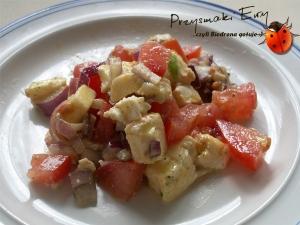 Sałatka 'na trzy' z mozzarellą i pomidorami