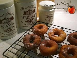 Donaty (Donuts) amerykańskie - pączki z dziurką